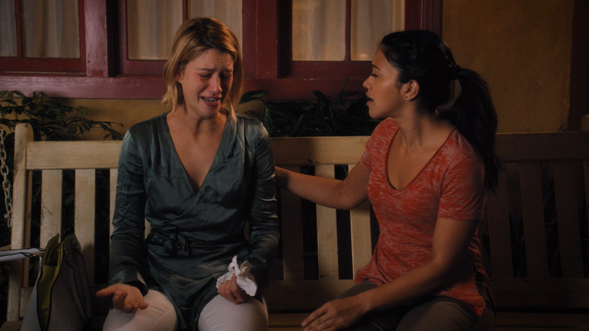 Gina Rodriguez, Yael Grobglas- Jane The Virgin S05E11