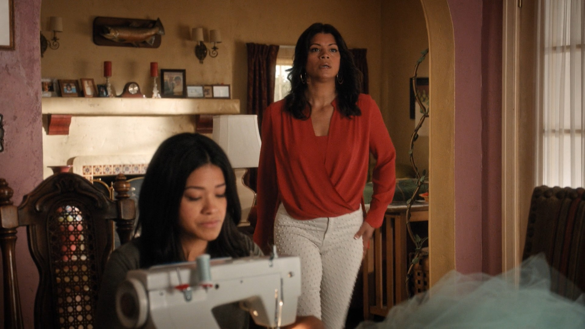 Gina Rodriguez, Yael Grobglas- Jane The Virgin S05E12-E13