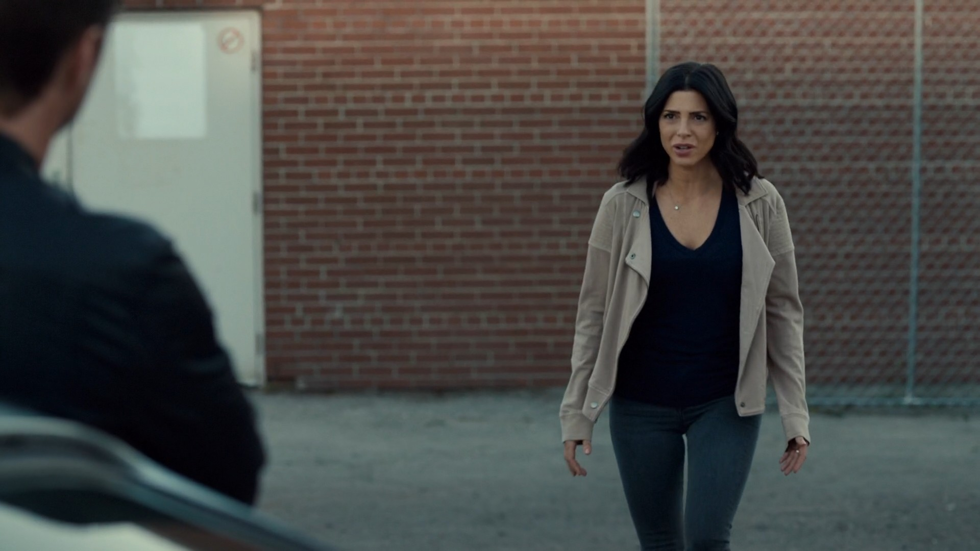 Cindy Sampson- Private Eyes S03E01 (Season Premiere)