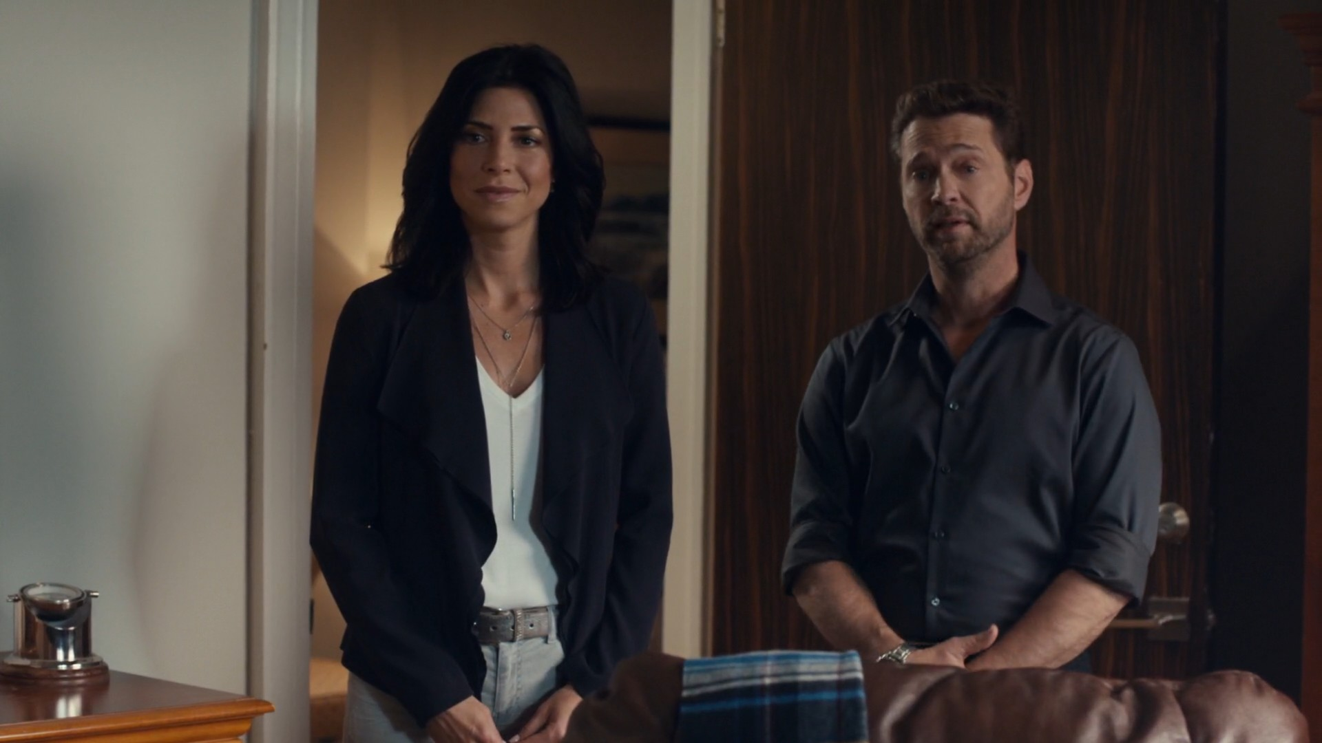 Cindy Sampson- Private Eyes S03E05-E07