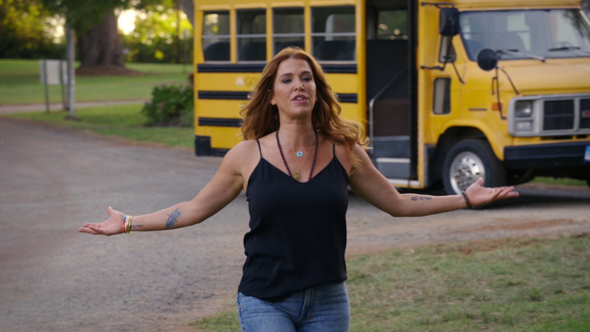 Poppy Montgomery- Reef Break S01E02-E03