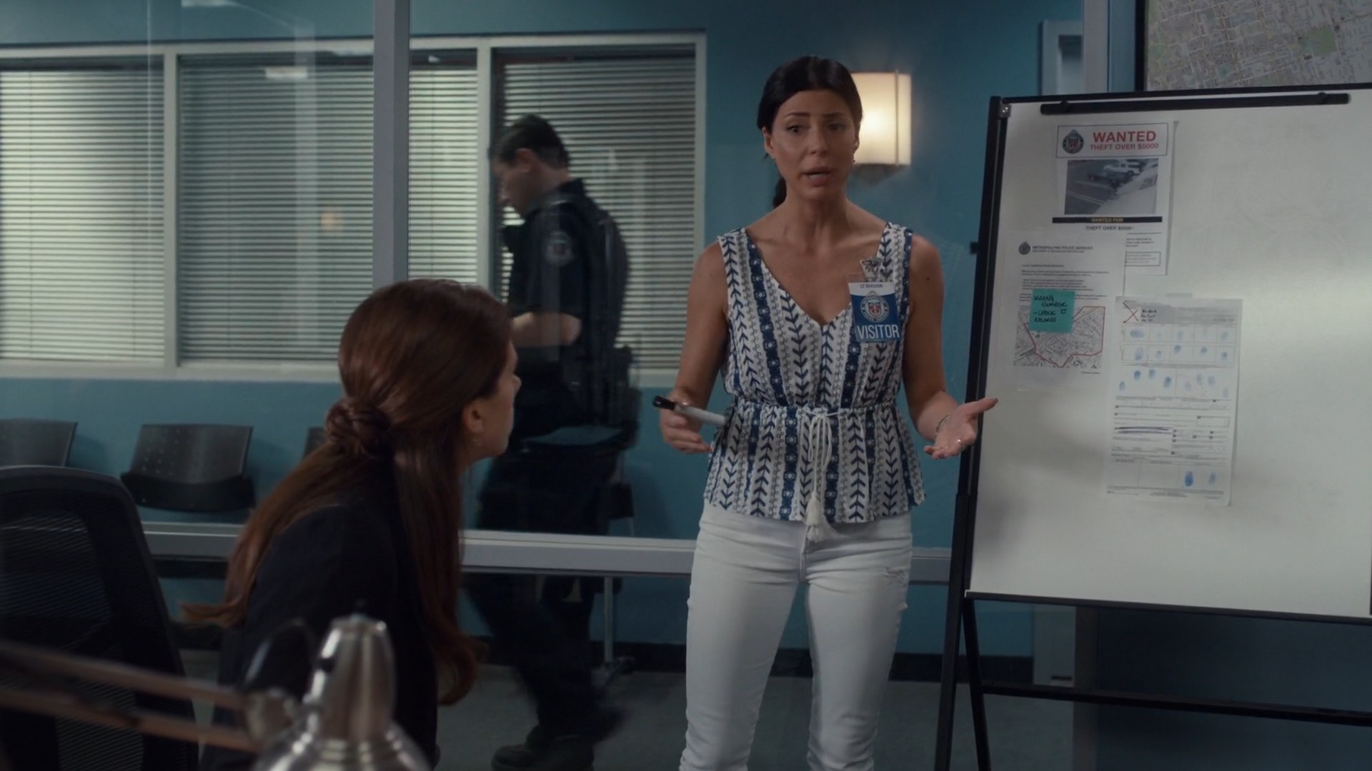Cindy Sampson- Private Eyes S03E08