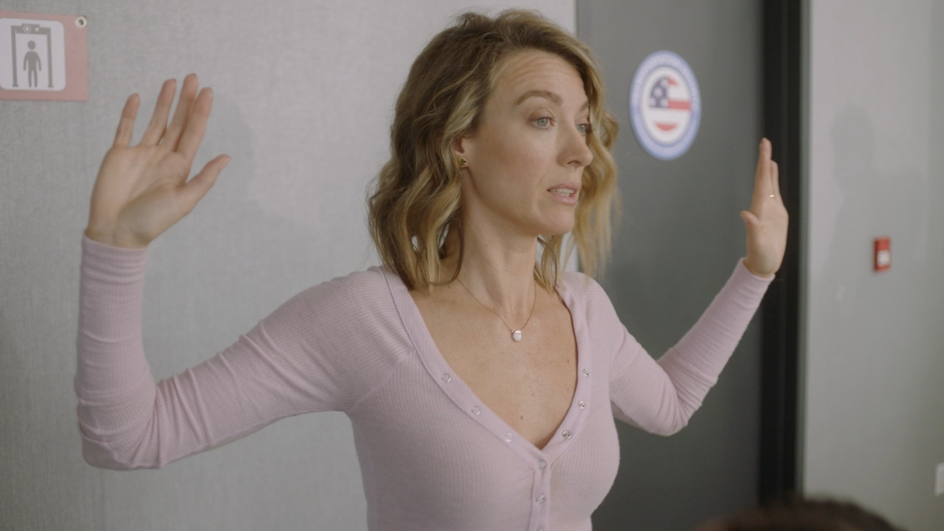 Natalie Zea- The Detour S02E08