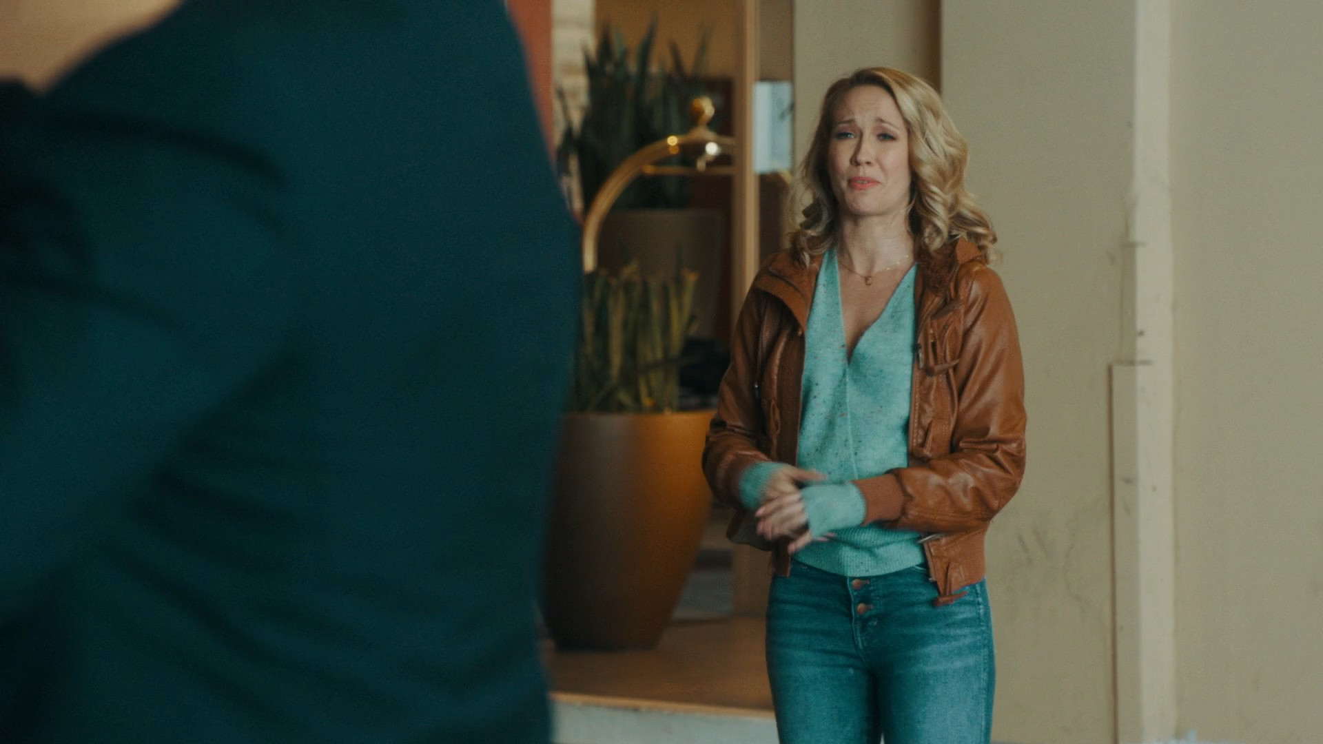 Anna Camp- Perfect Harmony S01E13