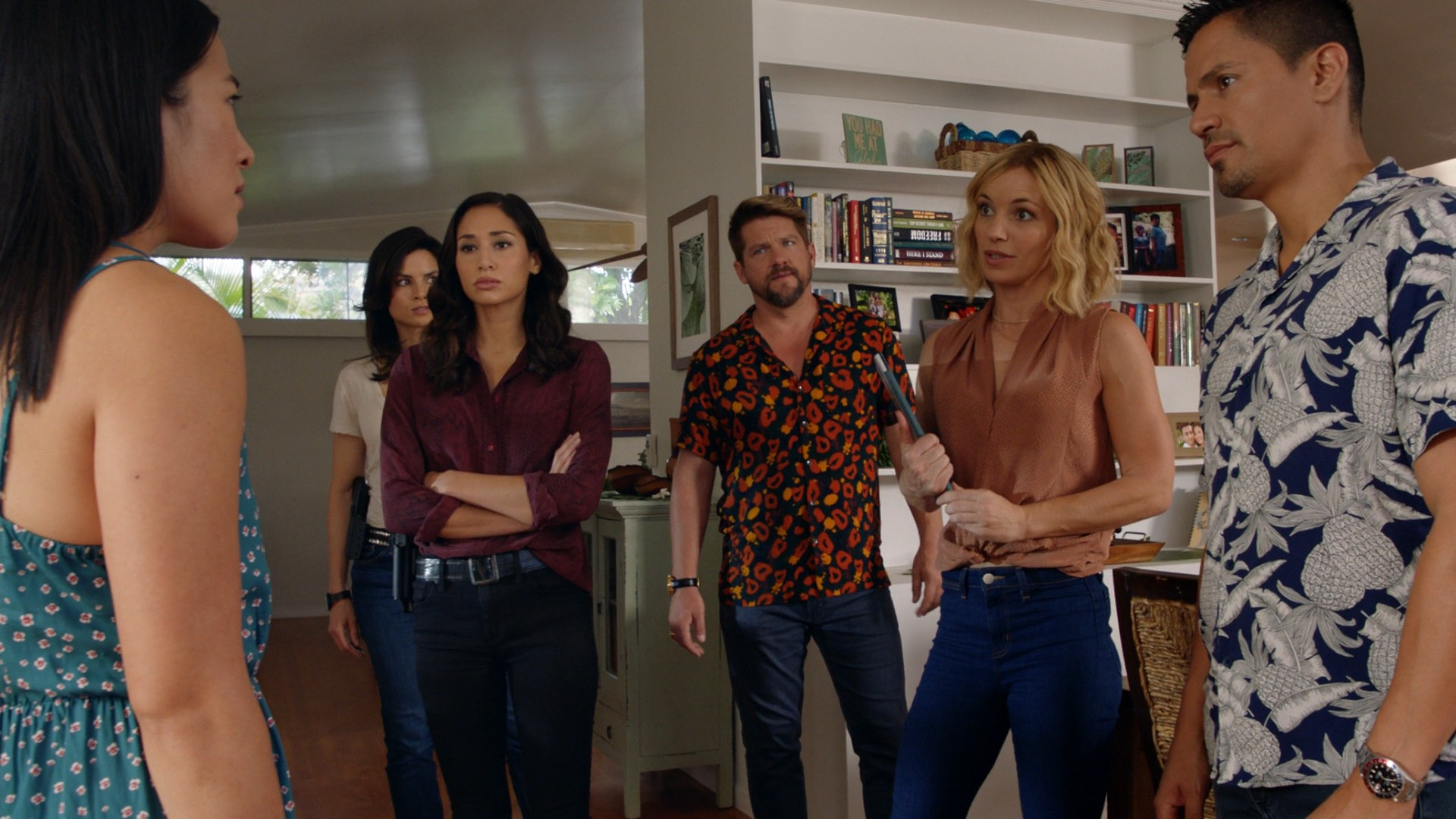 Perdita Weeks, Meaghan Rath, Katrina Law- Hawaii Five - 0 / Magnum P.I. E12 (Crossover)