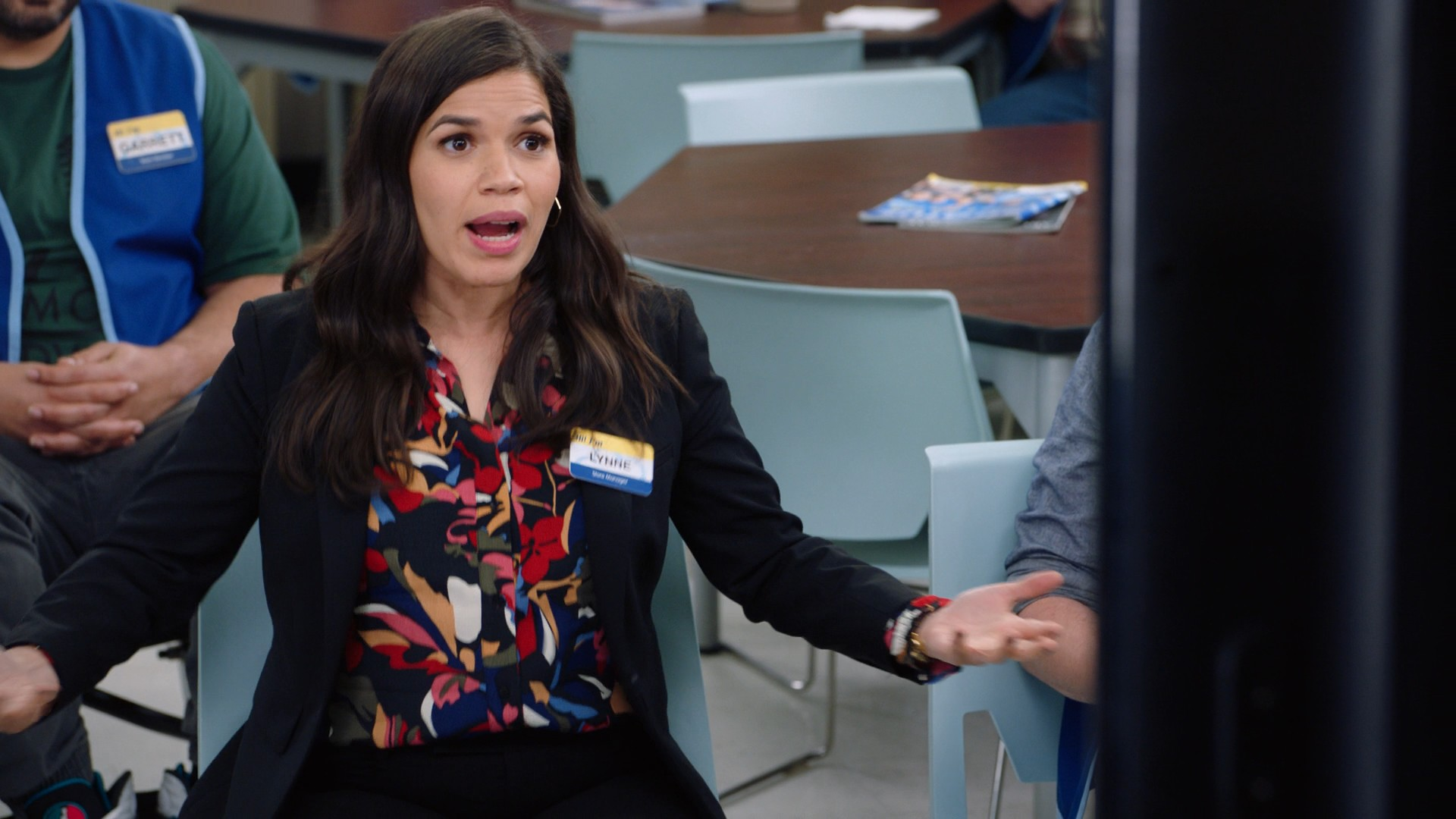 America Ferrera, Nichole Bloom- Superstore S05E15