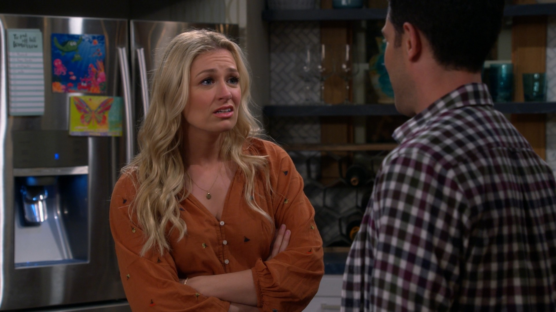 Beth Behrs- The Neighborhood S02E14