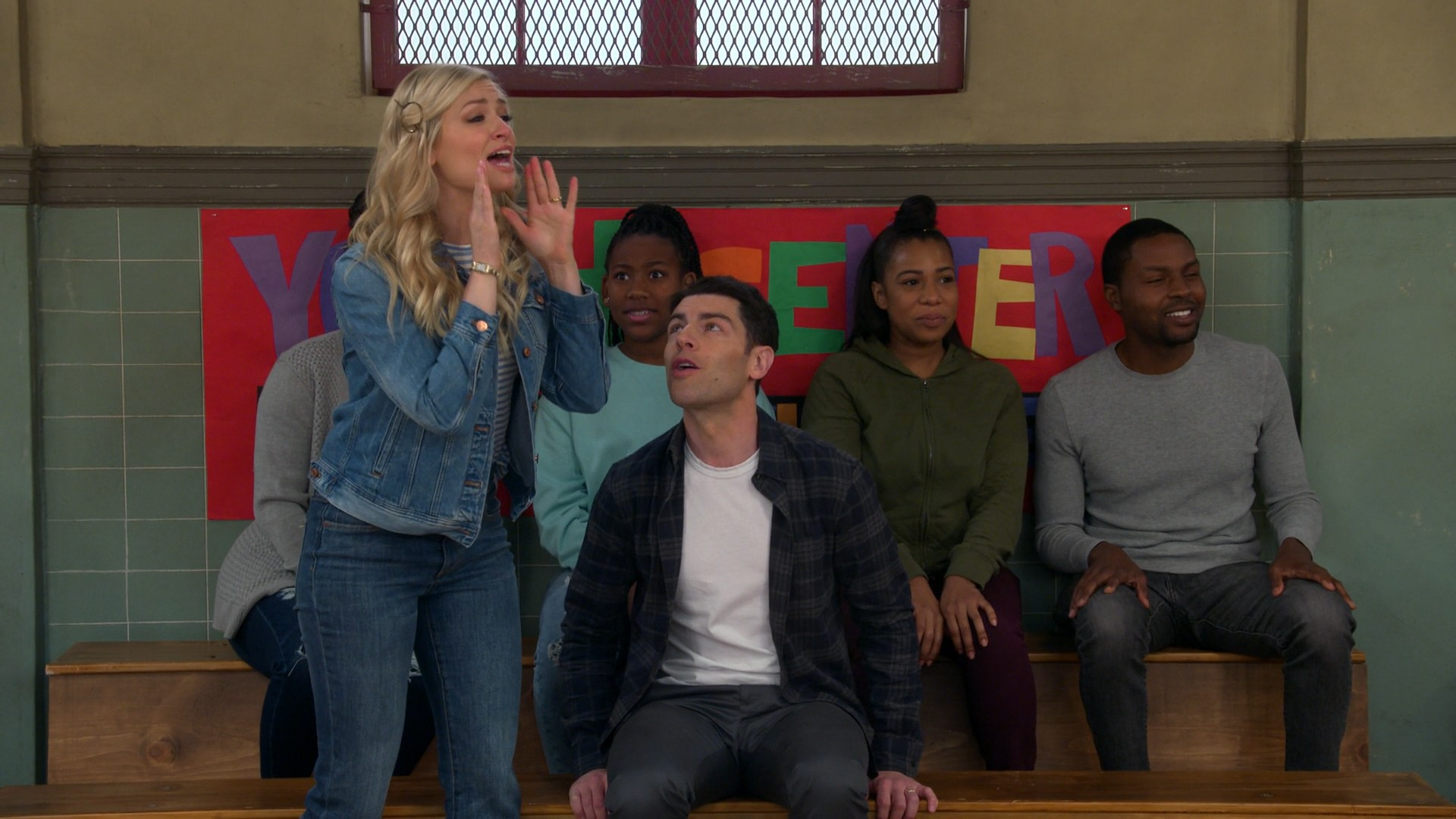 Beth Behrs- The Neighborhood S02E18