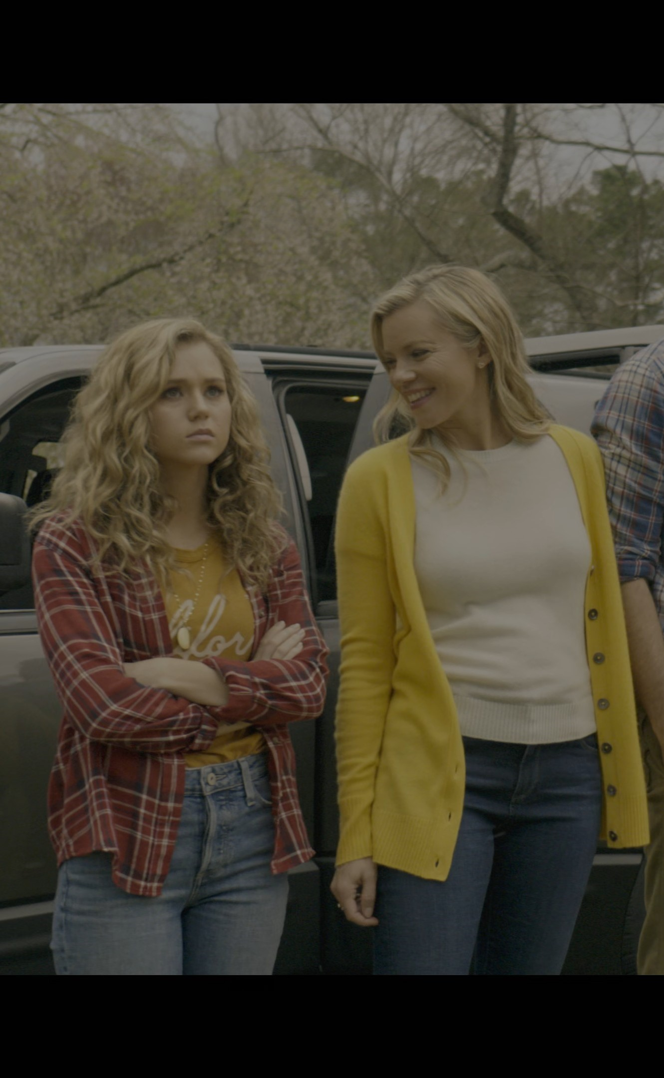 [4K]Brec Bassinger, Amy Smart- Stargirl S01E01 (Series Premiere)